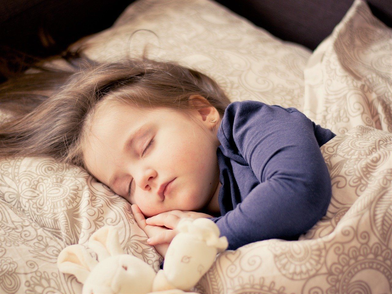 Szelki ze smyczą dla dziecka – Pierwsze kroki Twojego maluszka. Jak się do tego właściwie przygotować?