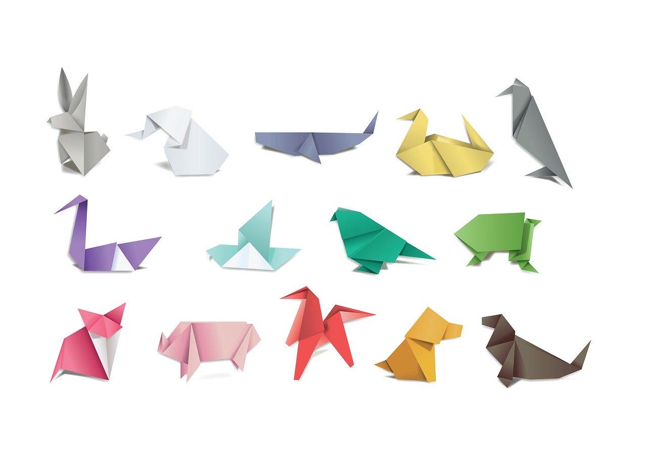 Ręcznie wykonane ozdoby z papieru. Origami krok po kroku.