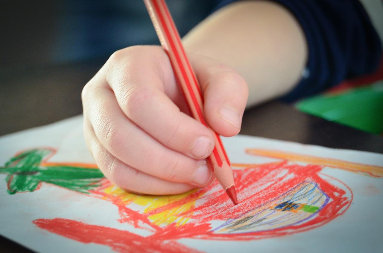 Akcesoria do rysowania dla dzieci – świat dziecka